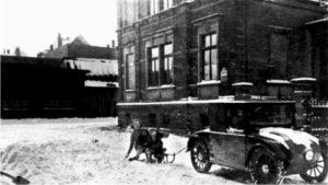 Maler Bielefeld: In ein neues Gebäude in der August-Schröder-Straße zieht 1896 der Malerbetrieb Stenner