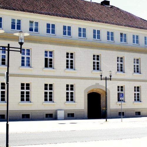 Maler Bielefeld, Denkmalpflege: Friedrich-Brunde-Haus in Detmold, Farbgebung der Fassaden durch Stenner und Keitel