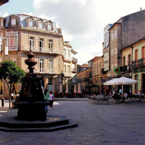 Maler Bielefeld, Denkmalpflege: Pontevedra (Spanien): Fassadensanierungen in der Altstadt durch Stenner und Keitel
