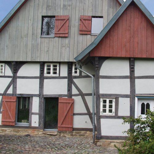 Maler Bielefeld, Denkmalpflege: Restaurierung eines kleinen Fachwerkhauses durch Stenner und Keitel