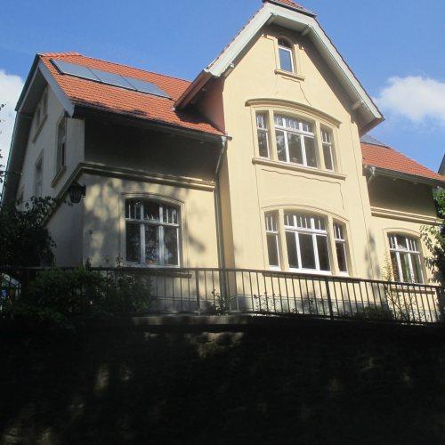 Maler Bielefeld: Fassaden-Sanierung eines Hauses in Vlotho durch Stenner und Keitel